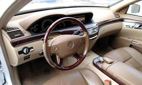 Аренда S500 W221 чёрный с водителем в Москве
