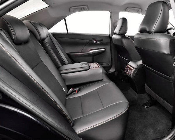 Внутри машины (салон)