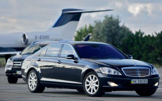 Аренда автомобиля в аэропорт, заказать автомобиль любой марки.