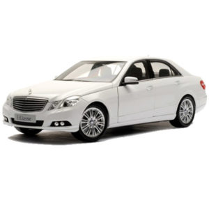 RENT Mercedes W212 (White) IN MOSCOW WITH DRIVER