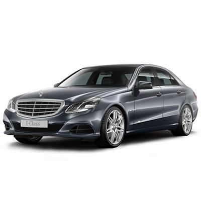 RENT Mercedes W212 (restyl. Black) IN MOSCOW WITH THE DRIVER